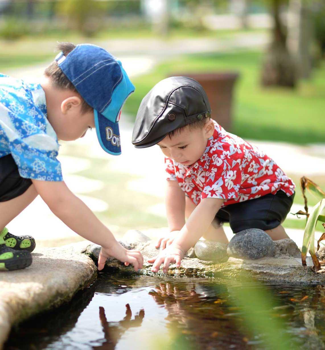 kids-playing-water2