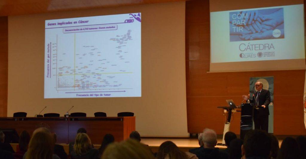 Mariano Barbacid durante su charla en el Foro de Medicina Personalizada de la Fundación QUAES